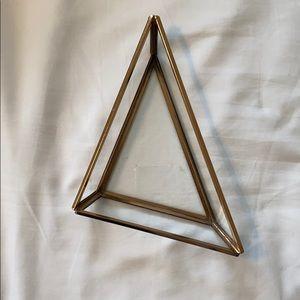 Triangle catch all dish